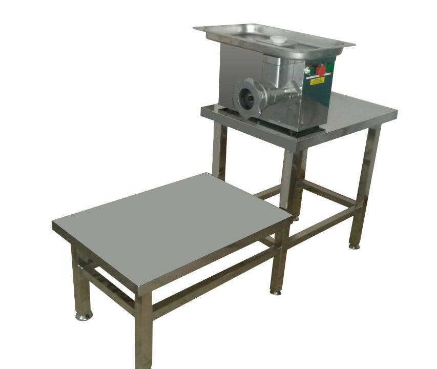 Мясорубка промышленная со столом