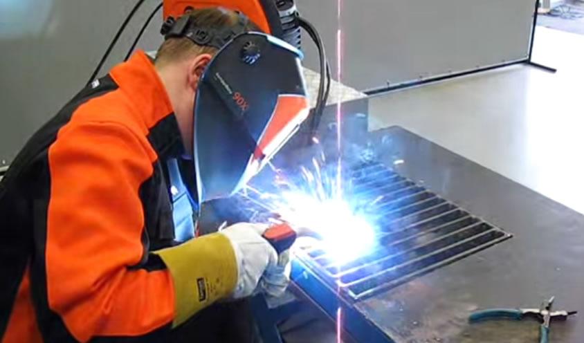 Сварка полуавтоматическая (кемпи) в среде защитных газов.